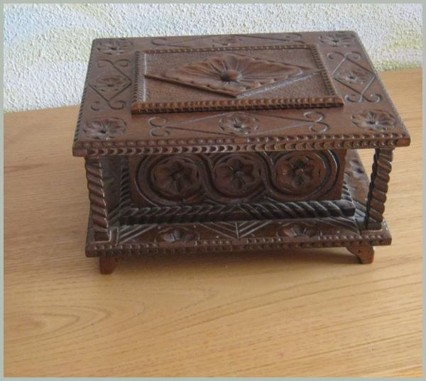 Fidem - Carved Ark in walnut