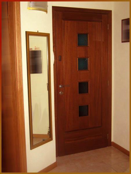 Oranilegno - OjosDeBlu - front door for apartments
