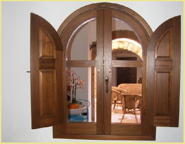 Passo Double - finestra in castagno