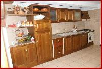 Reebot - rustic kitchen in pine